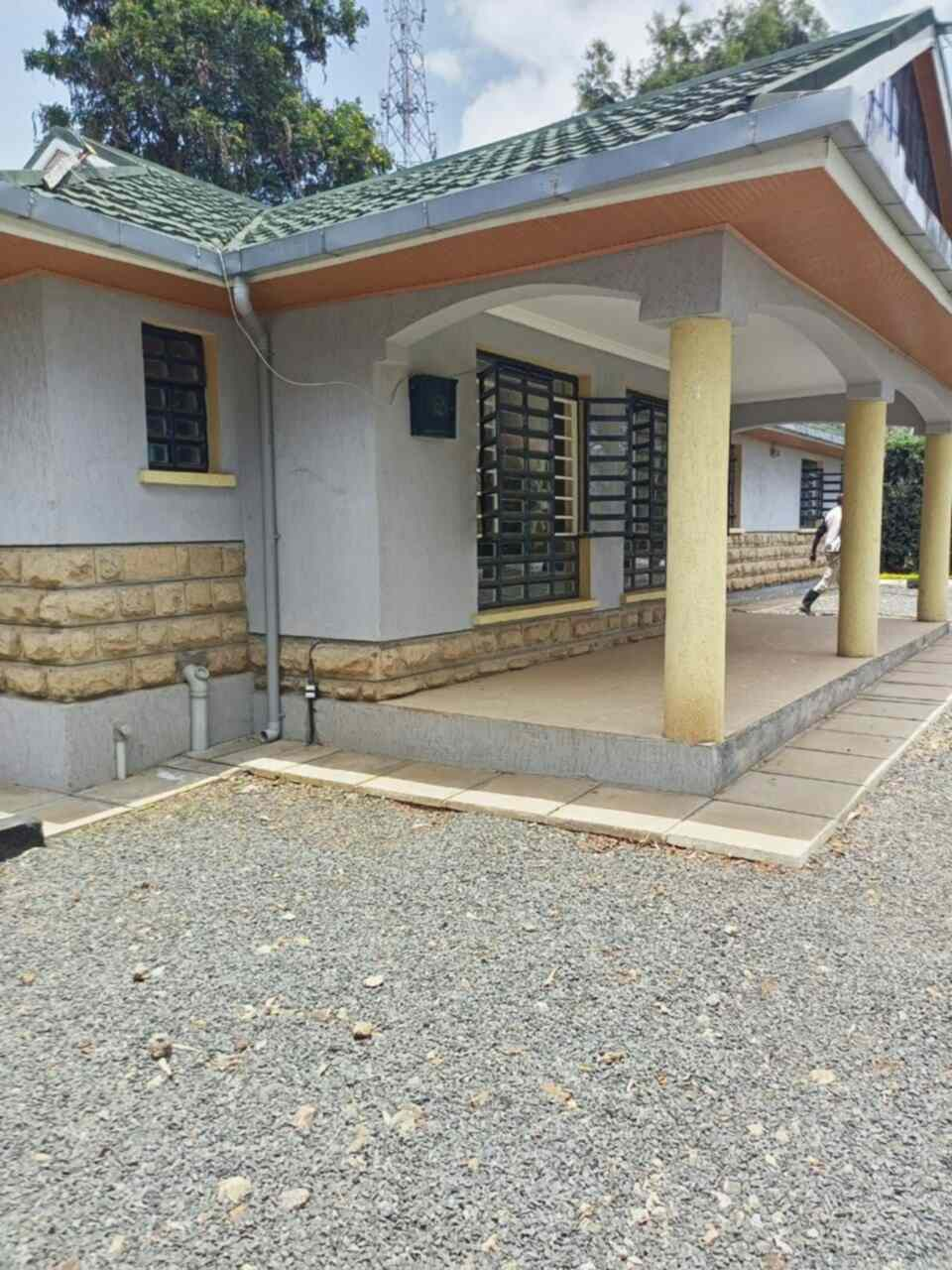 4 bedroom standalone house for rent