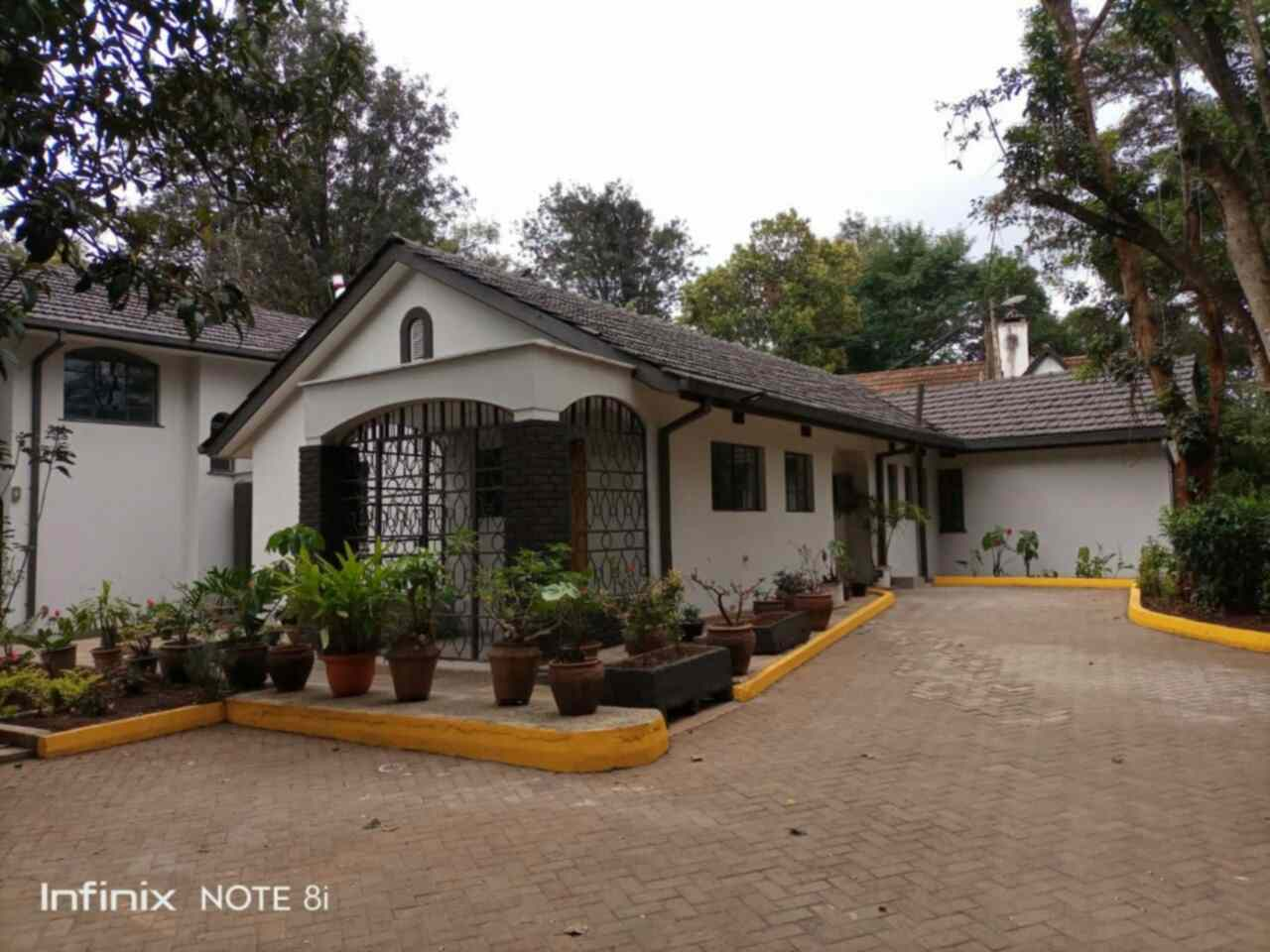 4 bedroom standalone house for rent in rent