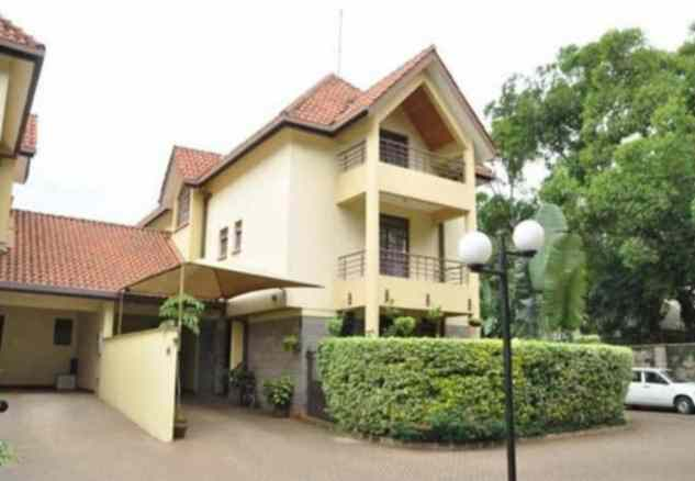 Town house for rent in Lavington